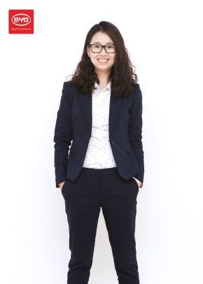 Julia Chen, Global Sales Director of BYD Batteries