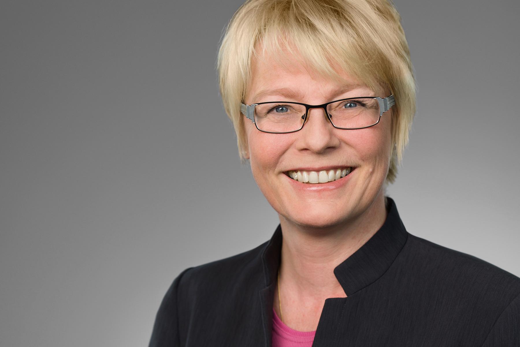 "Tina Bohlmann, ""Digitale Personalakte"" Kendox AG"